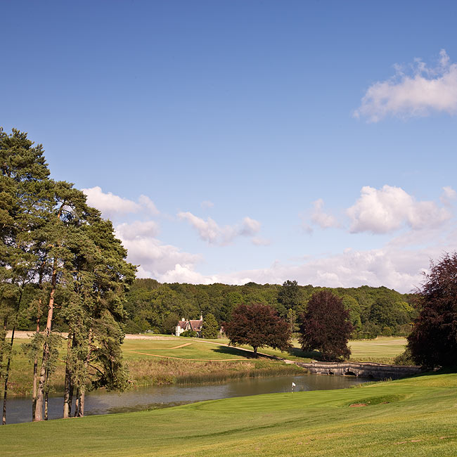 EO-27-01: Heythrop Park, 6th Hole & Bridge