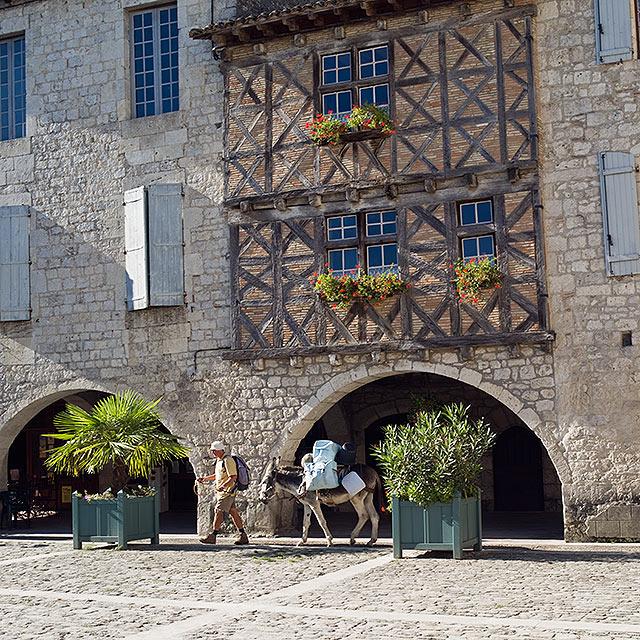 FTG-13-11: Pilgrim & Donkey, Via Podensis, Lauzerte, Tarn et Garonne, France