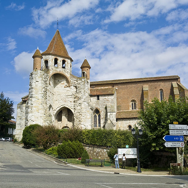 FTG-14-06: Church of St Peirre, Auvillar, Tarn-et-Garonne, France