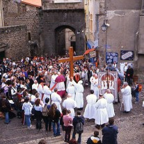 FA-33-06: Procession, Le Puy-en-Velay, Auvergne, France
